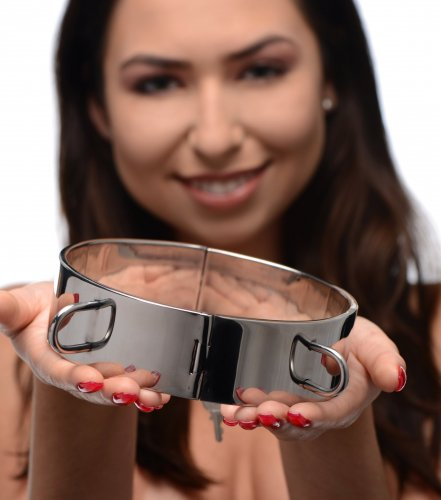Stainless Steel Locking Bondage Collar With Model